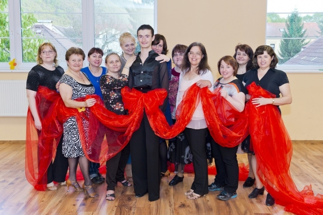 lady-latin-dance